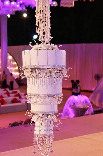 Trending chandelier wedding cakes wedmegood chandelier cakep 001 mozeypictures Image collections
