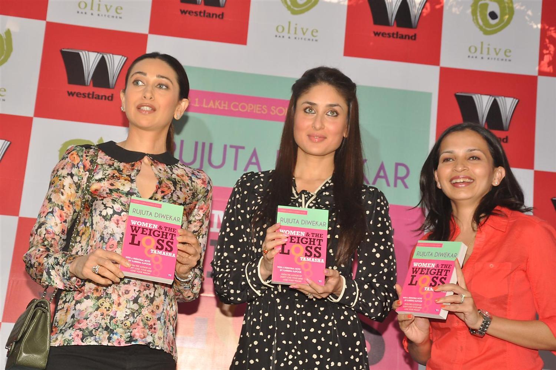 1ho78keniwxviufx.D.0.Kareena-Kapoor_Karisma-Kapoor-launching-book-Women---Weight-Loss-Tamasha-by-Rujuta-Diwekar-in-Mumbai--1-