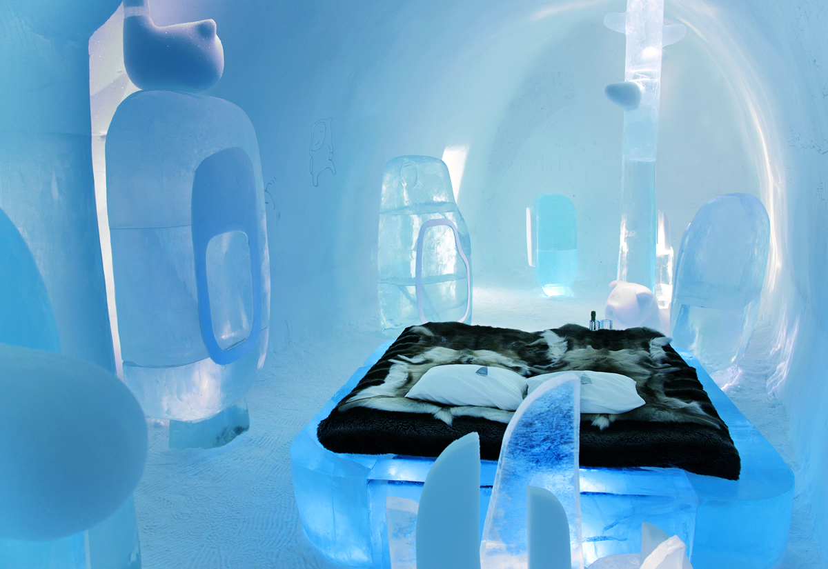MINI_evolution_icehotel_deluxe_suite