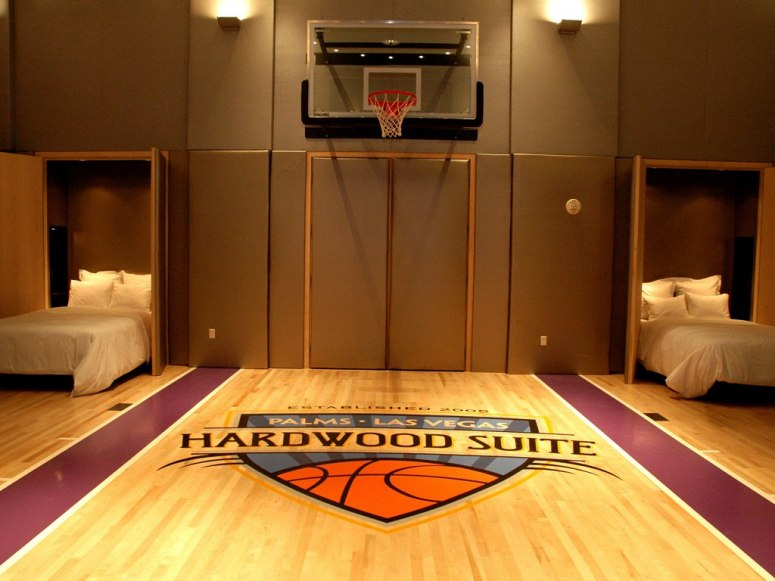 hardwood-suite-palms-las-vegas-4