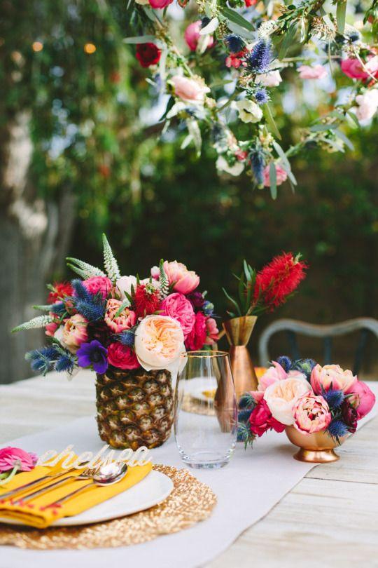 Fruit-wedding-centerpieces-pineapple-vase-holder