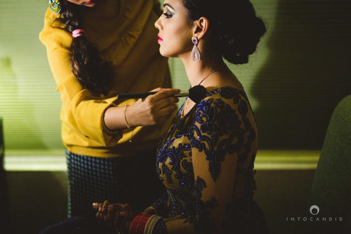 02-ritzcarltondifc-dubai-destination-wedding-reception-into-candid-photography-pr-156