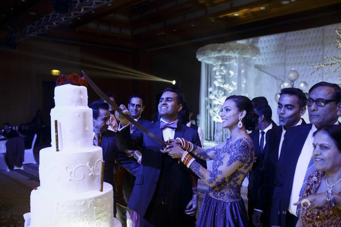 02-ritzcarltondifc-dubai-destination-wedding-reception-into-candid-photography-pr-186