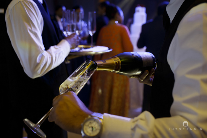 02-ritzcarltondifc-dubai-destination-wedding-reception-into-candid-photography-pr-187