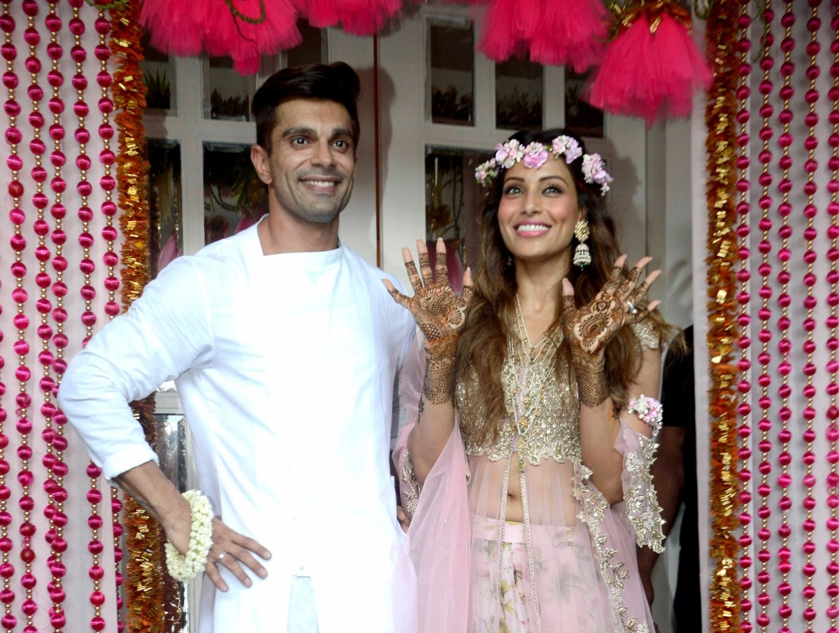 Mehndi Ceremony Dress For Bride : All the drama at bipasha basus mehendi ceremony for your viewing