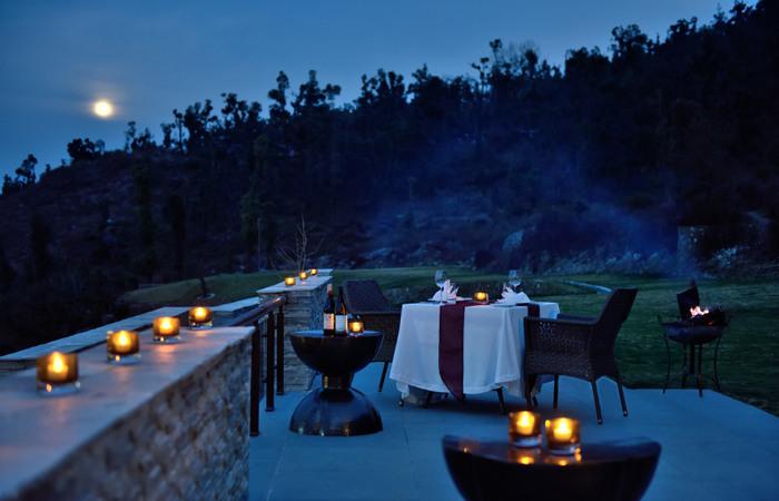 1-Terrace dining