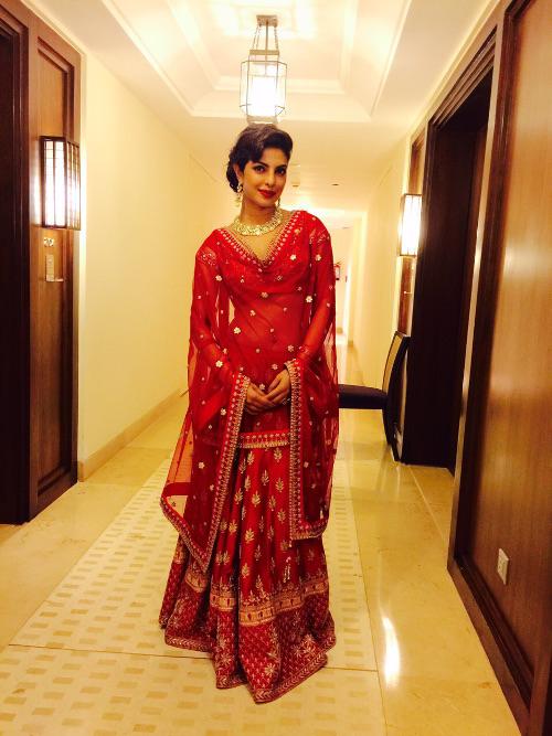 Priyanka-Chopra-wearing-Anita-Dongre-Dec14 (2)