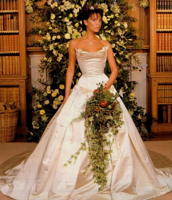 victoriabeckhamweddinggown