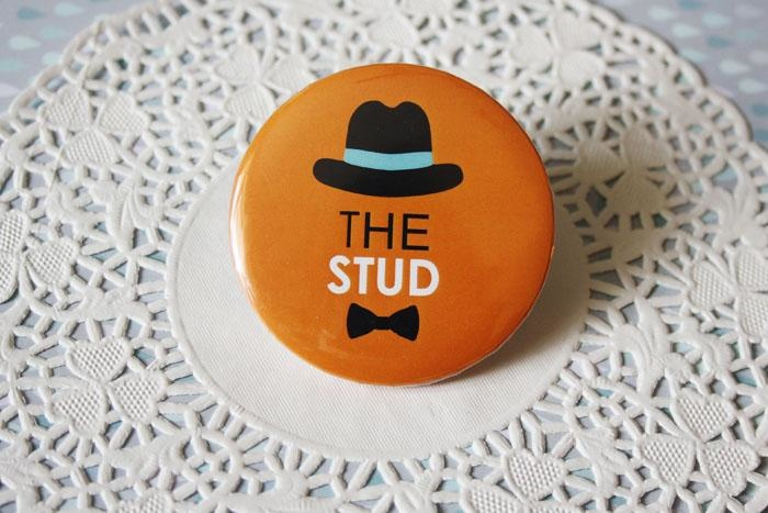 1426580261_The_Stud_Badge