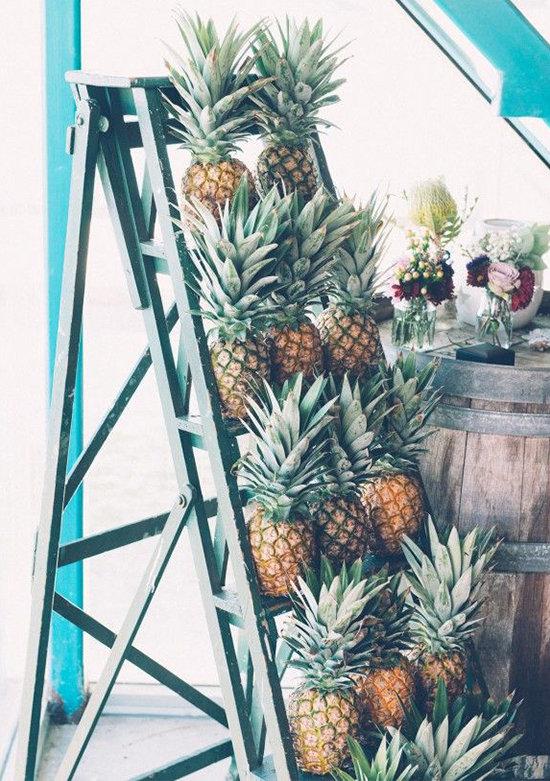 79588_15-must-see-pineapple-wedding-ideas