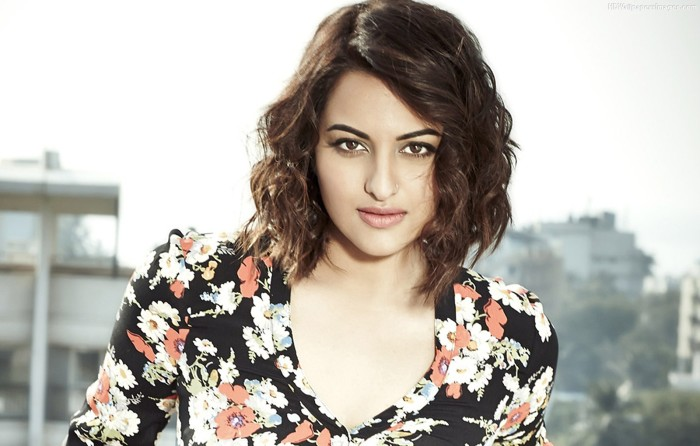 sonakshi-sinha-in-short-hair--wallpapers-and-backgrounds