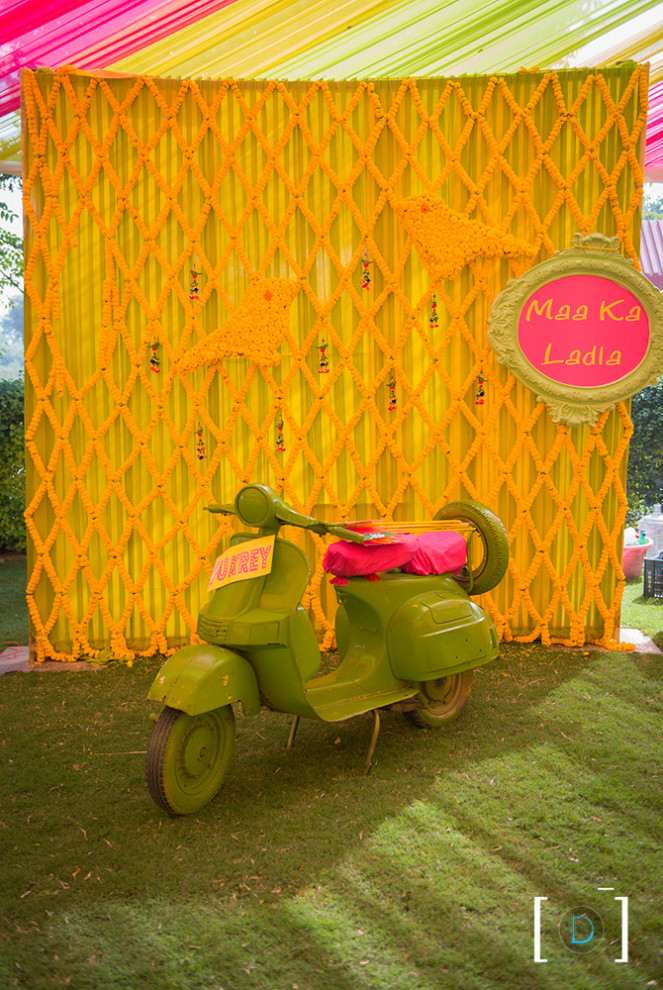 Cool Ways To Incorporate Bollywood Into Your Wedding