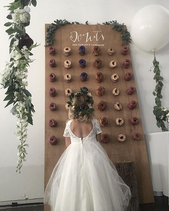 #Trending: Doughnut Walls Are Sweeping Weddings Abroad, Be