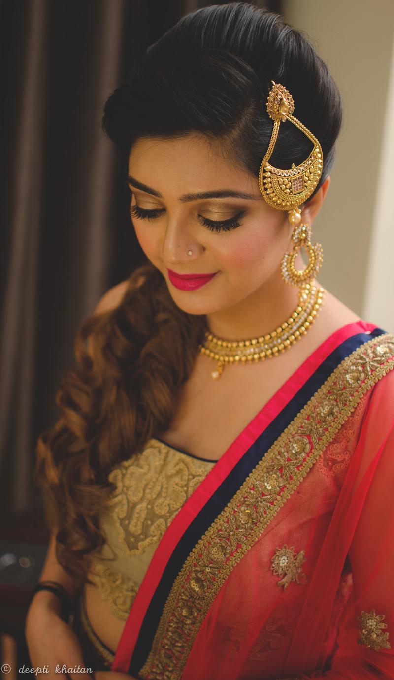 unique ways to wear a jhoomar at your wedding, mehendi & sangeet