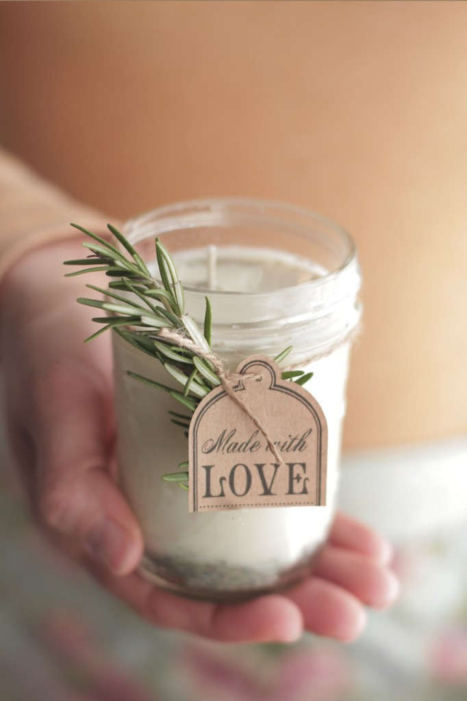 Dear bride these 10 easy diy bridesmaid gifts will make your girls diy candles solutioingenieria Image collections