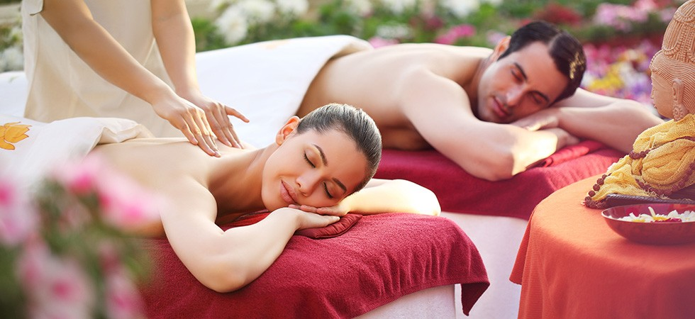 1_0008_couples_massage