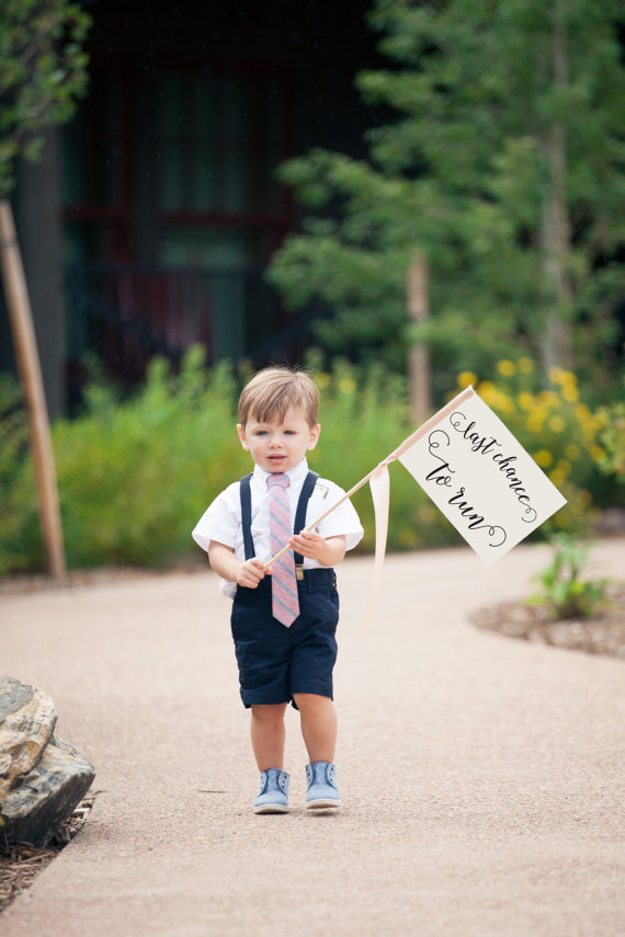 Last-Chance-To-Run-Ring-Bearer-Sign-Small-Made-To-Order-Wedding-Flag-Funny-Groom-Joke-For-Wedding-Ceremony