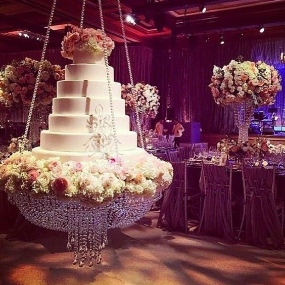 wedding cake suspended trending wedding cake on a swing looks like this trend 25860